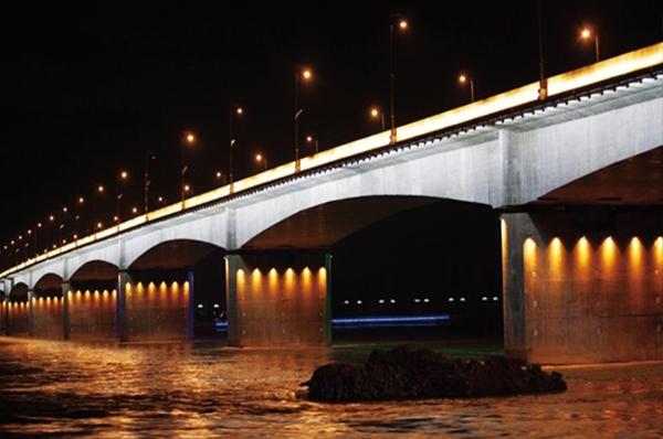 清远大桥亮化